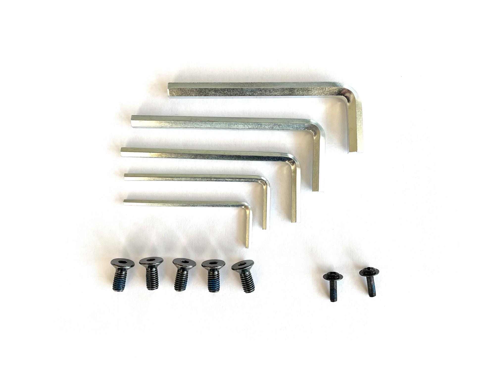 Werkzeugset inkl. Basisschrauben